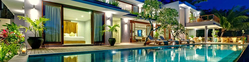 Villa moderne avec piscine avec chambre et salon donnant sur la piscine